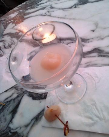 Lychee martini, Long Bar, Sanderson