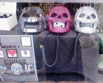 skull telephones