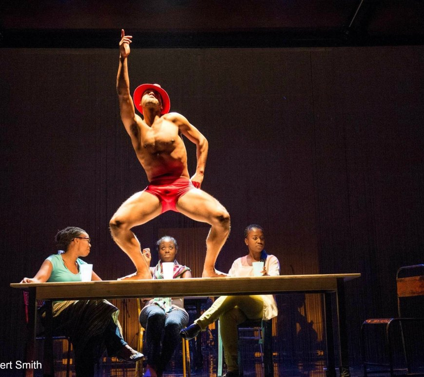 centre: Ira Mandela Siobhan (Dancing Elegbara). Seated left-right: Noma Dumezweni (Yemaya), Michelle Asante (Oya) and Naana Agyei-Ampadu (Oshun)