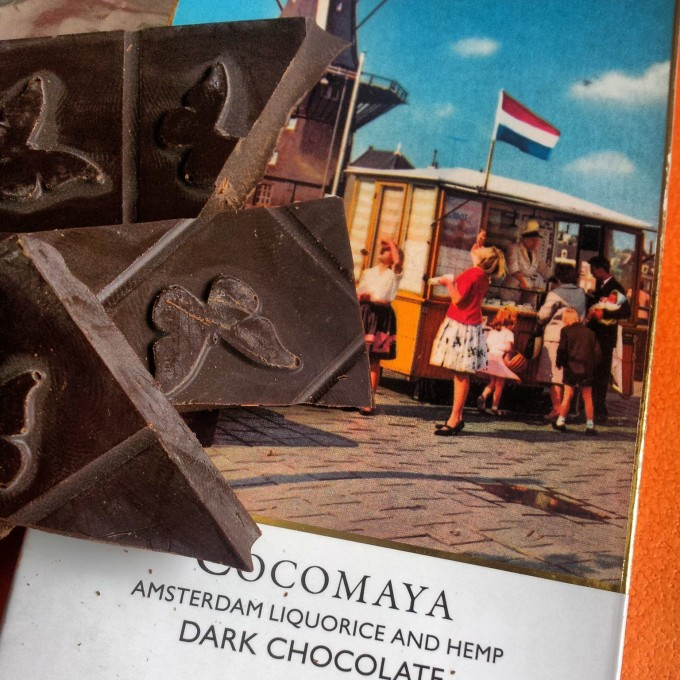 Cocomaya Amsterdam chocolate bar chunk