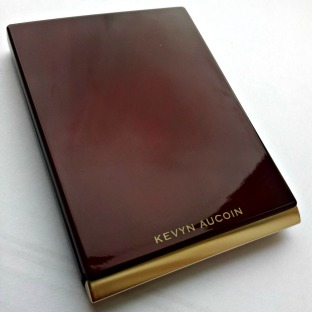 Kevyn Aucoin lip palette closed