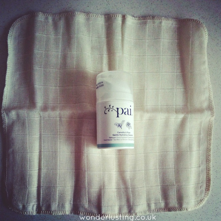 Pai cleanser with organic cotton muslin cloth