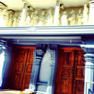Lewisham_hindu_temple_2