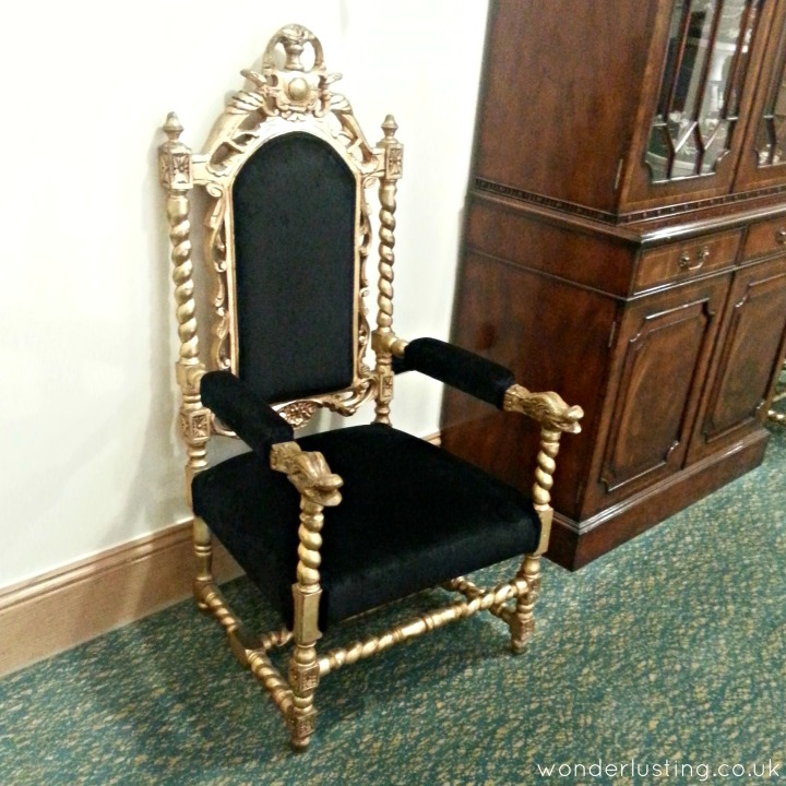 Bit Posh and Becks throne