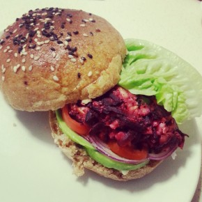 Recipe: Veggie Burgers That Don't Suck #1: Beetroot & Halloumi