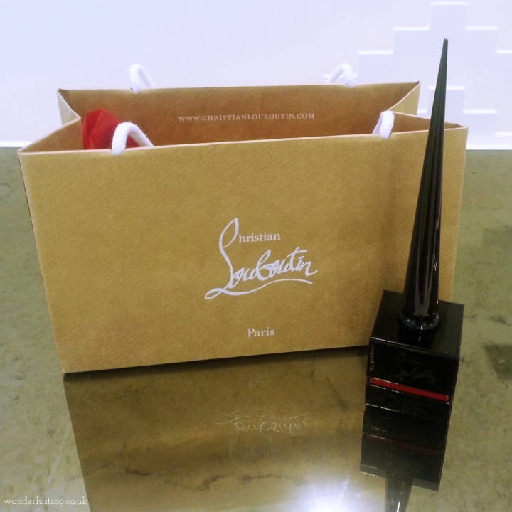 ChristianLouboutin_nailpolish1_Fotor
