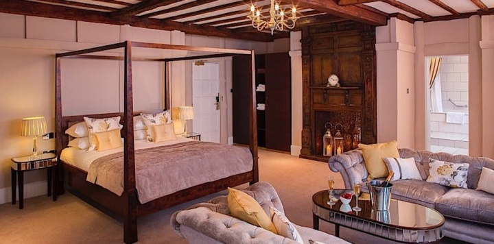 The Bridal Suite, Laura Ashley The Manor Hotel