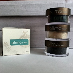 Natural Beauty: Alima Pure Pearluster Eyeshadow Review and Swatches
