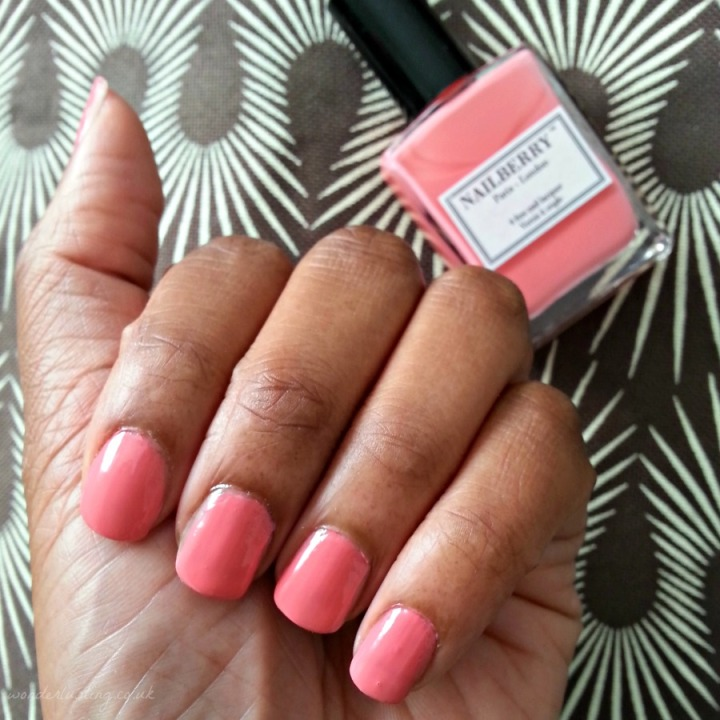 Nailberry - Young & Fabulous swatch
