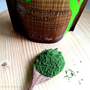 Wonderlusting Kitchen: Rainforest Foods Organic Wheatgrass