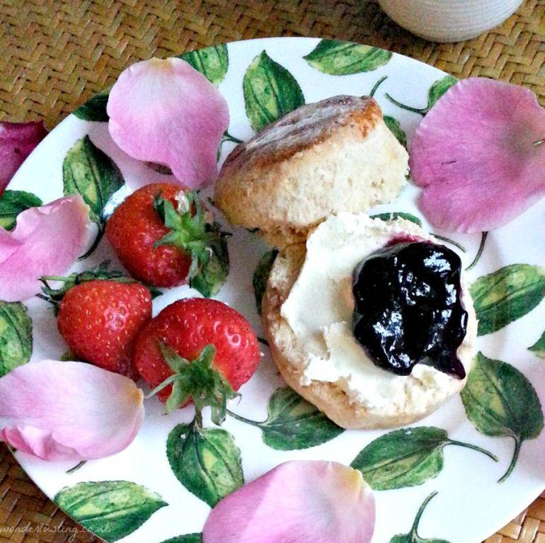 sconnoisseur-rosewater-scone
