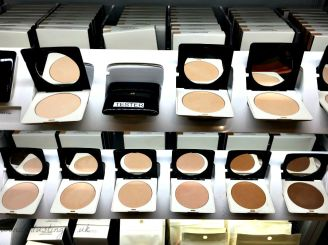 H&M perfecting powder £7.99