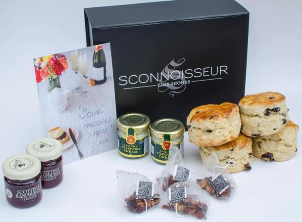 Sconnoisseur afternoon tea gift set