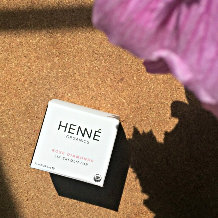 henne-organics-rose-diamonds-lip-exfoliator-box
