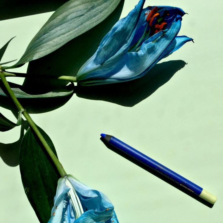 Cobalt Blue Pixi Endlessly Silky Pencil