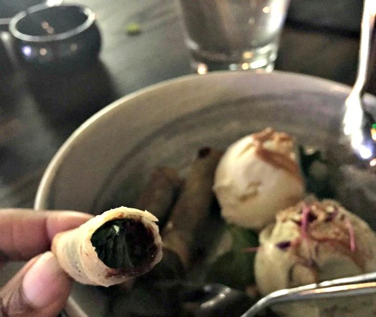 Yuu-Kitchen-chocolate-spring-rolls-eaten