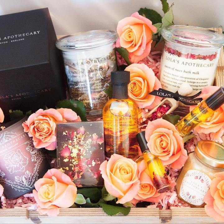 Lola's Apothecary Empress of Roses hamper