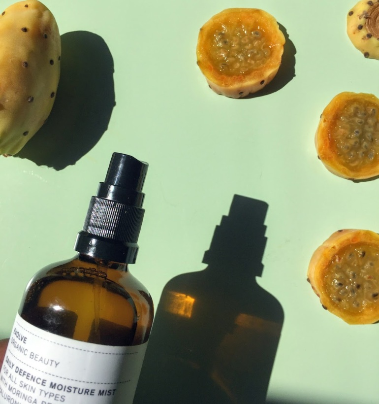 Evolve Organic Beauty Daily Defence Moisture Mist
